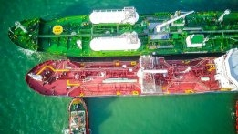 Petronas Reports First LNG Bunker Operation at Port Klang