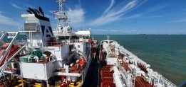 Titan LNG and Petronas Bunker New Gas-Powered Tanker in Malaysia