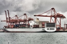 100 Containerships Offline for Scrubber Retrofits