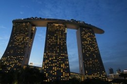 Singapore: Oil Exports up but Overall Trade down Year-On-Year