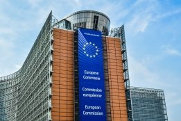 EU Sees All Options on Table on Shipping Carbon Policy