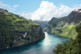 Hurtigruten Sees Niche Cruises as Covid-19 Exit Plan