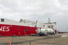 Titan Boasts New LNG Bunker Customer in Rotterdam