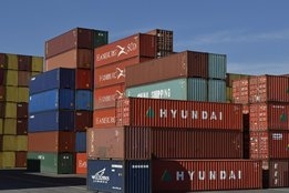 Boxship Owner Goes for Scrubbers