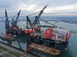 Bakker Sliedrecht Electrifies Crane Vessels at Port of Rotterdam