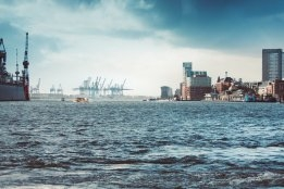 Germany: LNG Bunkering on Elbe Moves Forward with Biggest Stem to Date