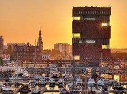 Titan, Fluxys Add LNG Bunker Barge in Antwerp