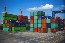 Alphaliner Sees 95 Container Ships Inactive for Scrubber Retrofits