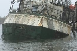 Partially Sunken Vessel Debunkered in Washington State