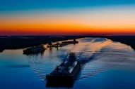 """Total Marine Fuels Considering """"Super-Sized"""" LNG Bunker Tanker: Reports"""
